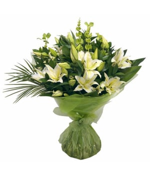 Classic lily bouquet